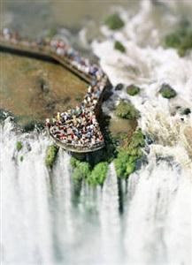 olivo barbieri the waterfall project site specificlas vegas by olivo barbieri