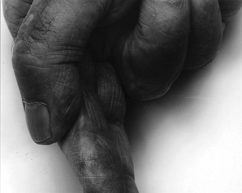 self portrait, crunched fingers by john coplans