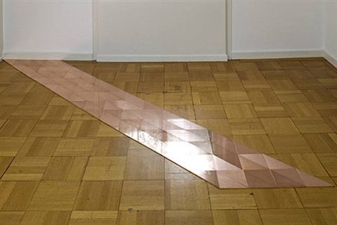 glarus copper slant (104 units) by carl andre