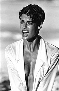 linda evangelista, vogue italien, bahamas 1989 by peter lindbergh