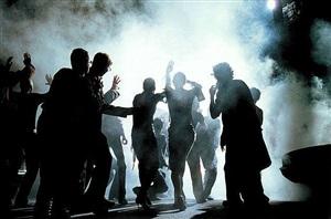 milla jovovich, karen elson, italian vogue, los angeles 2000 by peter lindbergh