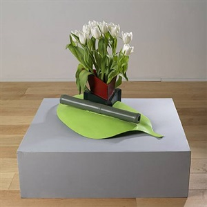 sculpture piece (with vase) by phillip king