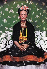 frida kahlo on bench by nickolas muray