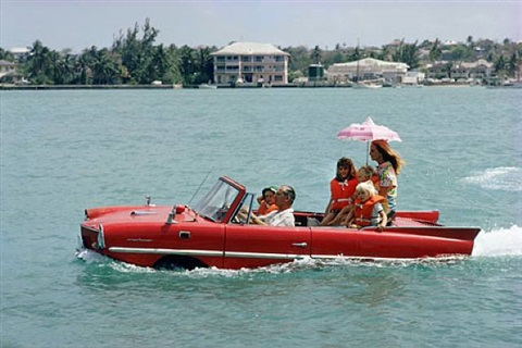 sea drive, 1967, kevin mcclory and his wife bobo segrist in the