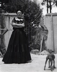 frida with her hairless dog by lola alvarez bravo