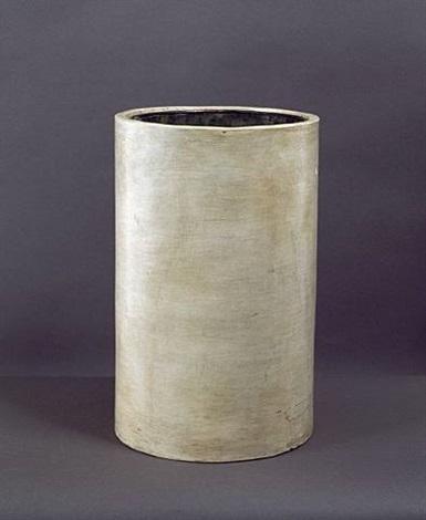 vase cylindrique cylindrical terracotta vase by jean michel frank on artnet. Black Bedroom Furniture Sets. Home Design Ideas