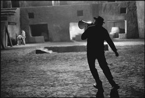 "fredrico fellini on the set of ""satyricon,"" rome by mary ellen mark"