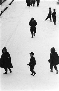children in snow by kiichi asano
