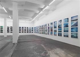 exhibition view galerie eva presenhuber 2008 by doug aitken