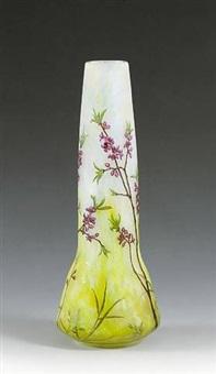 große vase mit seidelbast by daum