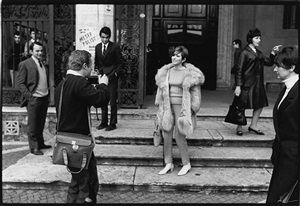 barbara streisand and paparazzi by bill eppridge