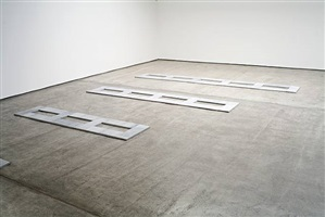 installation view of <i>limestone tricel</i>, <i>limestone tetracel</i>, and <i>limestone pentacel</i>. by carl andre