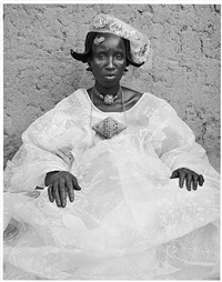 unidentified woman, mali by hector acebes