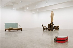 exhibition view by mark manders