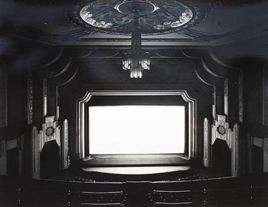 pennsilvanya theatre by hiroshi sugimoto