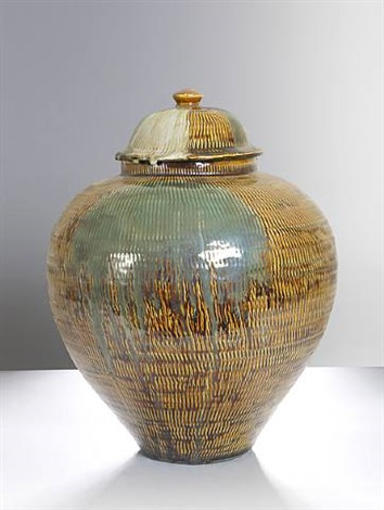 ameyutobikanna totsubo (lidded jar) by onda yaki