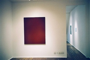 installation second room, joseph marioni (front), 'john zurier, robert ryman, joseph marioni: painting' 2/15/02 - 4/20/02 by joseph marioni