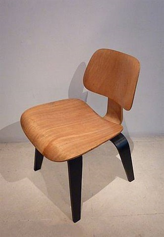 chaise dcw (dining chair wood) by charles and ray eames