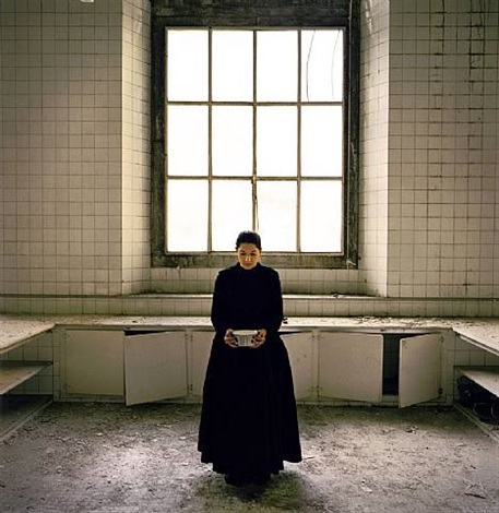 the kitchen v carrying milk by marina abramović