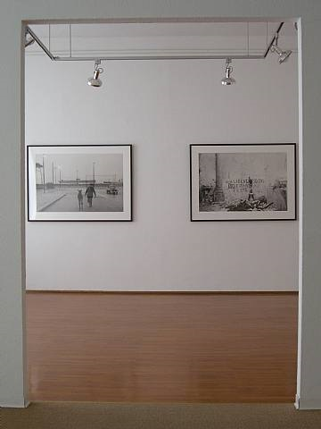 exhibition view by enzo sellerio