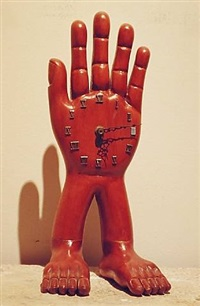 hand-foot clock by pedro friedeberg