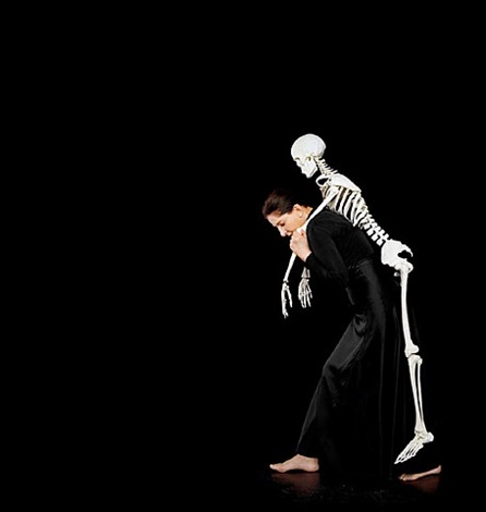carrying the skeleton by marina abramovic