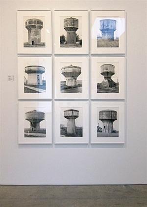 water towers: (beton unten geschlossen, d) by bernd and hilla becher
