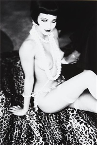 maria luisa with white pearls by ellen von unwerth