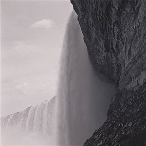 horseshoe falls, ontario, canada by lynn davis