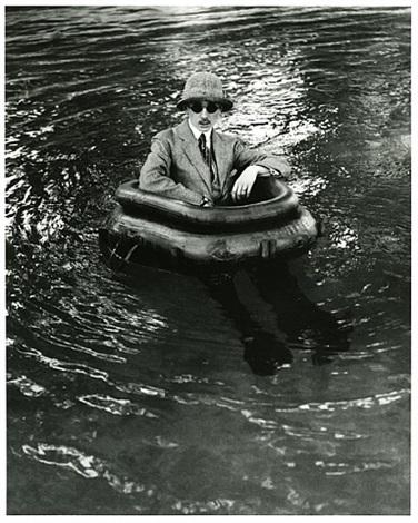 zissou dans son bateau pneu, rouzat, 1911 by jacques henri lartigue