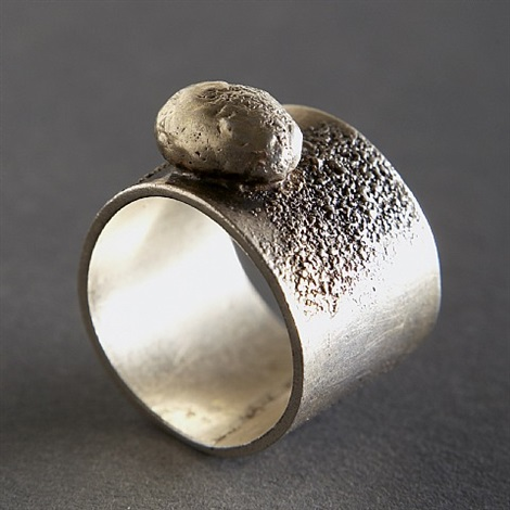 harry bertoia sterling silver ring with round protrusion, unsigned; documented in catalogue by harry bertoia