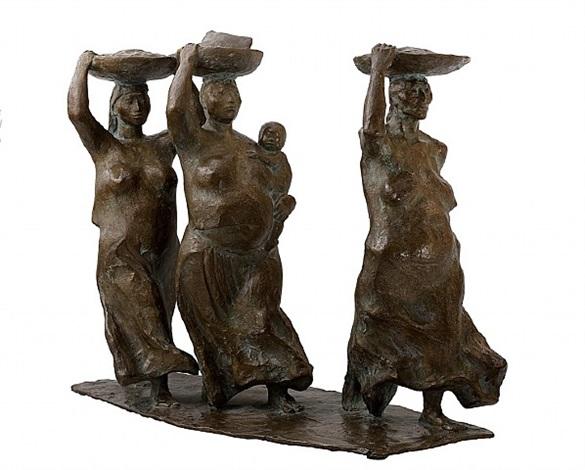 tres mujeres caminando con bateas (sold) by francisco zúñiga
