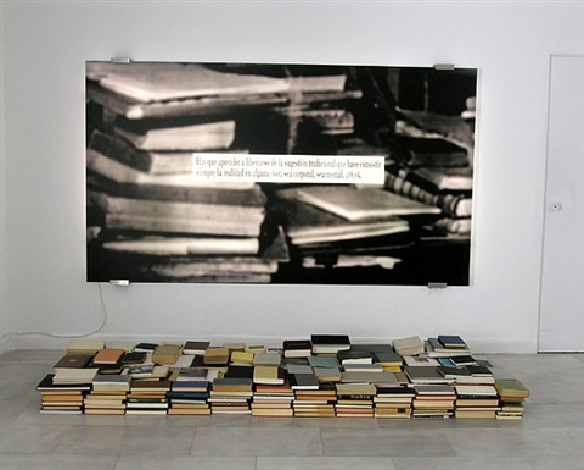 du phénomèned e la bibliothèque by joseph kosuth