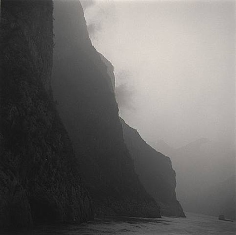 three gorges, yangtze river by lynn davis