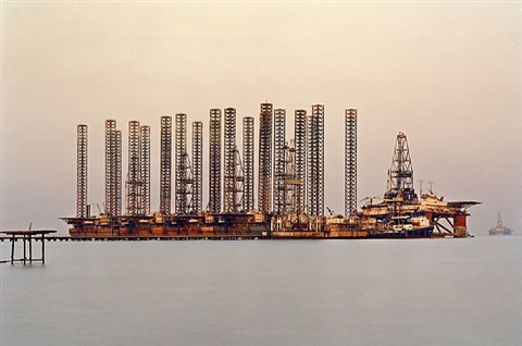 socar oil fields #6, baku, azerbaijan by edward burtynsky