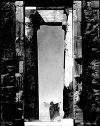 isadora duncan at the portal of the parthenon, athens by edward steichen