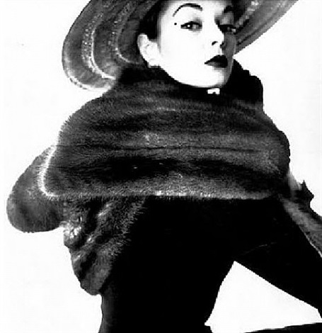 dior fur scarf (jean patchett) by irving penn
