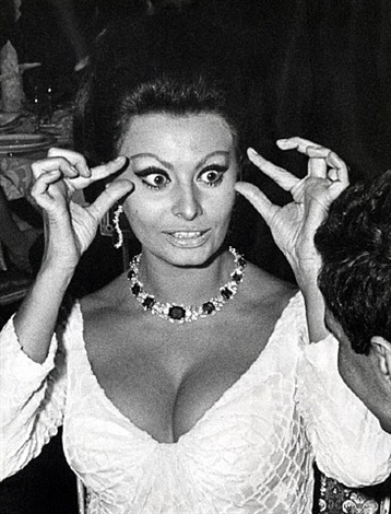sophia loren attends the premiere of 'dr. zhivago' at the americana hotel, new york, december 22, 1965 by ron galella