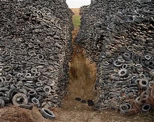 oxford tire pile #8, westley, california by edward burtynsky