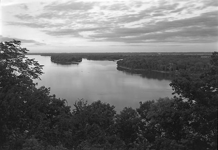 the mississippi river, hannibal, mo by george tice