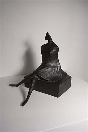 sitting woman maquette by lynn chadwick