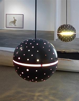 grenzübergang (lampe) by robert elfgen