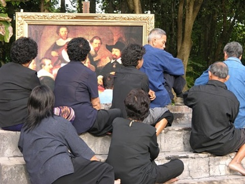 village and elsewhere: thai villagers and rembrandt's the anatomy lecture of dr. nicolaes tulp by araya rasdjarmrearnsook