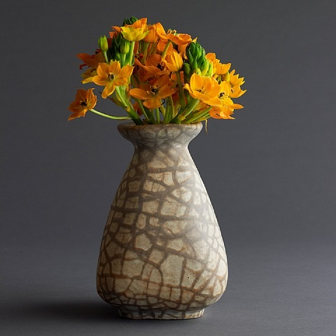 geza gorka ceramic vase with beige and white cracked motif by géza gorka