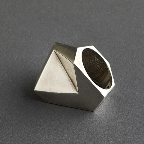 takashi wada sterling silver modernist angular small ring, signed by takashi wada