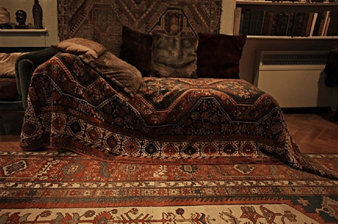 sigmund freud's couch, freud museum, 20 maresfield gardens, london by annie leibovitz