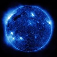 die sonne um mitternacht schauen, sdo/nasa, (blue) by katharina sieverding