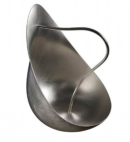 new silver pourer by aldo bakker
