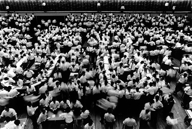 stock exchange, tokyo, 1961 by william klein