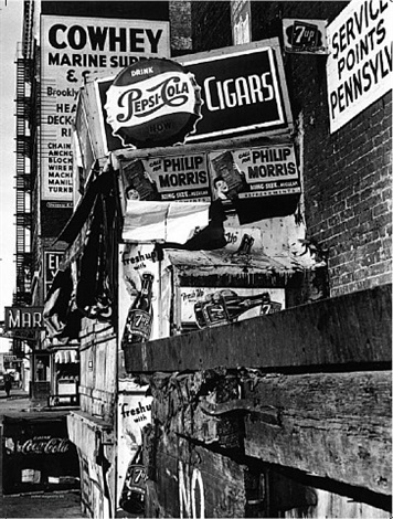 william klein, près des docks, manhattan by william klein